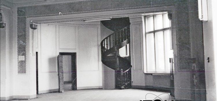 """Fosta bancă """"Creditul Prahovei"""" – foto 1971"""