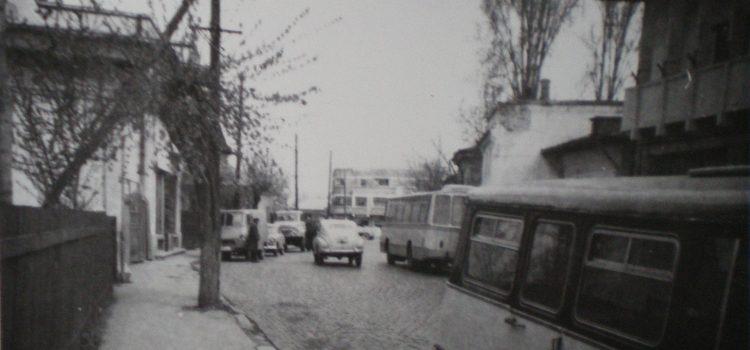 Ambuteiaj ploieștean pe strada Valeni – foto 1971