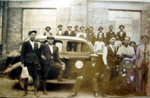 Muncitorii schelei Plavia - comuna Iordacheanu