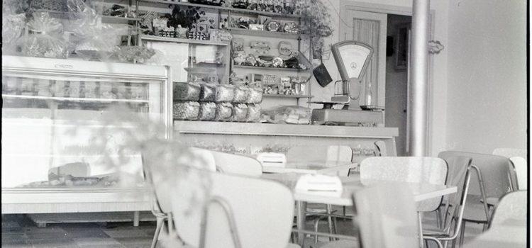 "Fosta cofetarie ""Flora""- foto 1963"