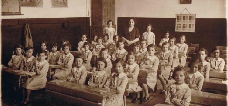 "Școala secundară de fete ""Despina Doamna"" – foto 1934"